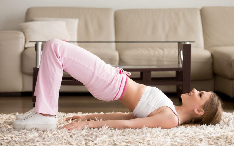 Como os exercícios pélvicos colaboram para o controle urinário?